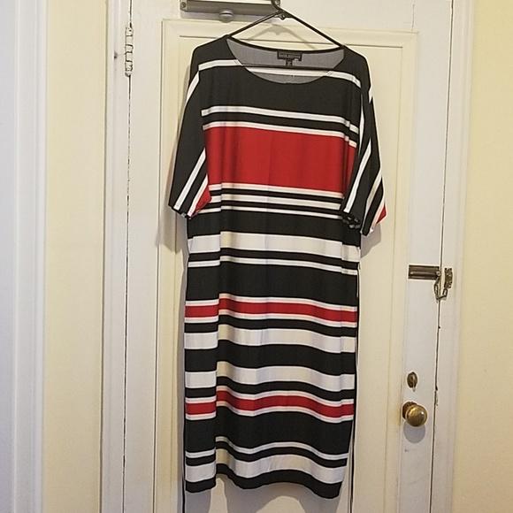 Dresses & Skirts - Red Black and White Dress